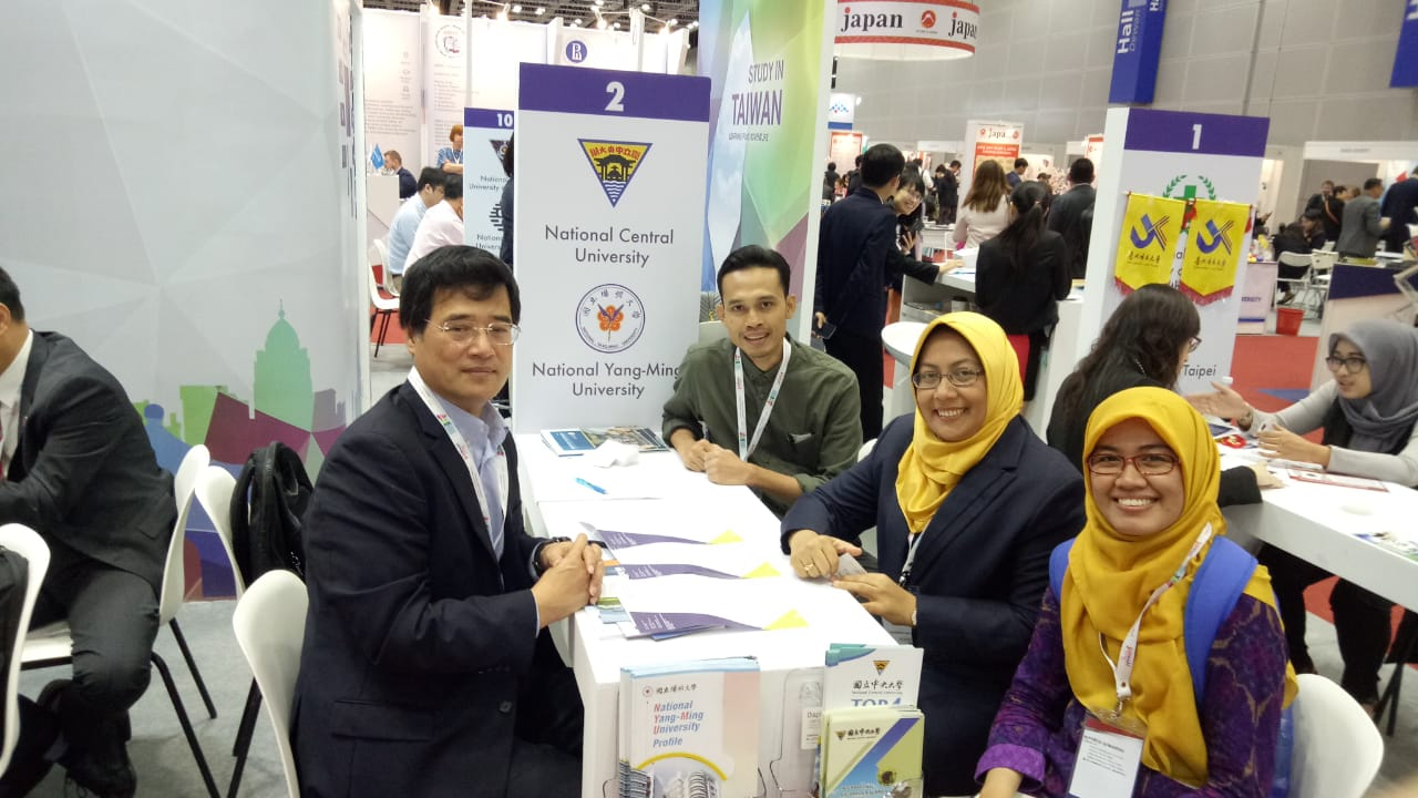 FEB Unair in International Education Expo at Malaysia 26 Mar 2019 with National Central Univ